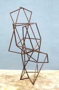"""""""Poliedro transparente"""". Hierro (material reciclado). 155 x 90 x 85 cm. 2008"""