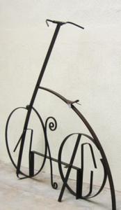 """Velocípedo 2007"". Hierro (material reciclado). 190 x 185 x 45 cm. 2007"