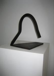 """""""Peñón"""". Hierro (material reciclado). 27 x 17 x 20 cm. 2009"""