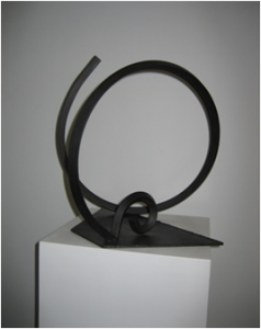 """La curva del caracol"". Hierro (material reciclado). 40 x 41 x 40 cm. 2009"