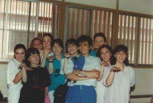 Concha Daud con un grupo de alumnas.
