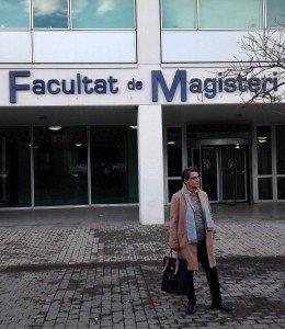 Concha Daud en la nueva Facultat de Magisteri de València.